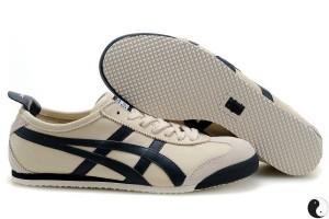 私はソールがフラットな靴が好きなのでasics mexico66が気にいってます。